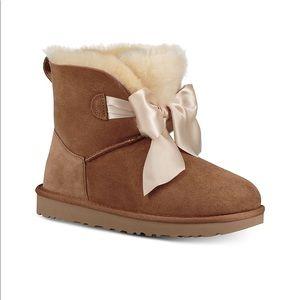 UGG ✨ Gita Bow 🎀 Mini Boots